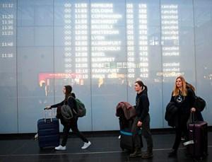 Flugausfälle Und Verspätungen Turbulente Zeiten Für Passagiere