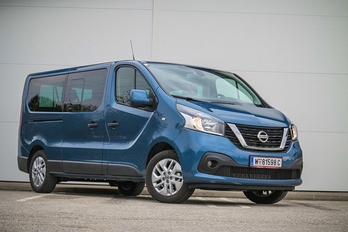 nissan nv300 auf die gr e kommt es an eigenbau. Black Bedroom Furniture Sets. Home Design Ideas