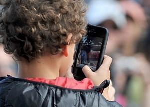 Smartphones sind Risiko für Kurzsichtigkeit bei Kindern