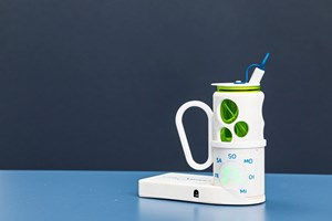 """Drink Smart"": ein intelligenter Trinkbecher gegen Dehydration."