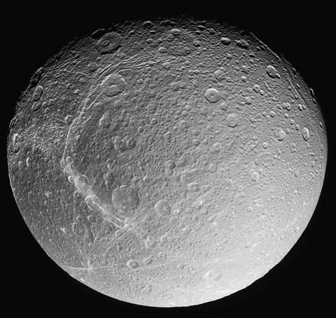 Eismond Saturn