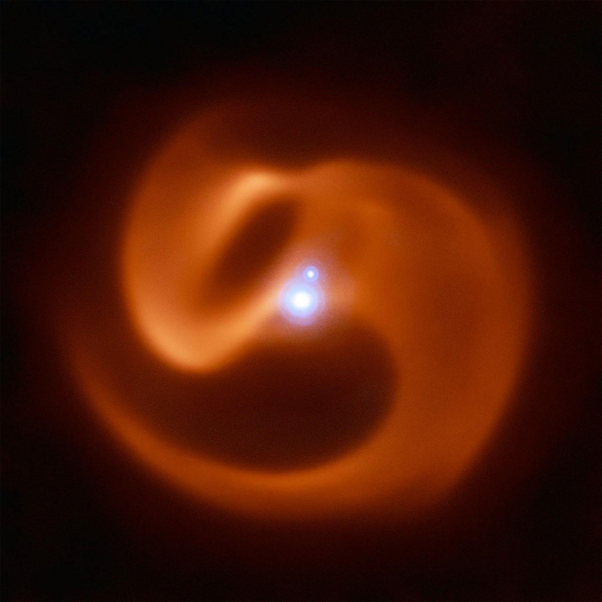 Kosmische Schlange als Vorläufer eines welterschütternden Blitzes