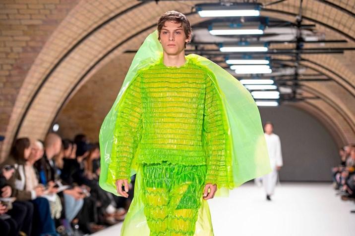 London Fashion Week: Die verrücktesten Modetrends für ...