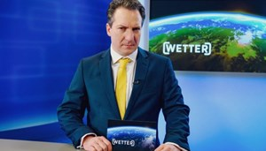"Wetterfrosch Robert Palfrader in der neuen ORF-Serie ""Walking on Sunshine""."