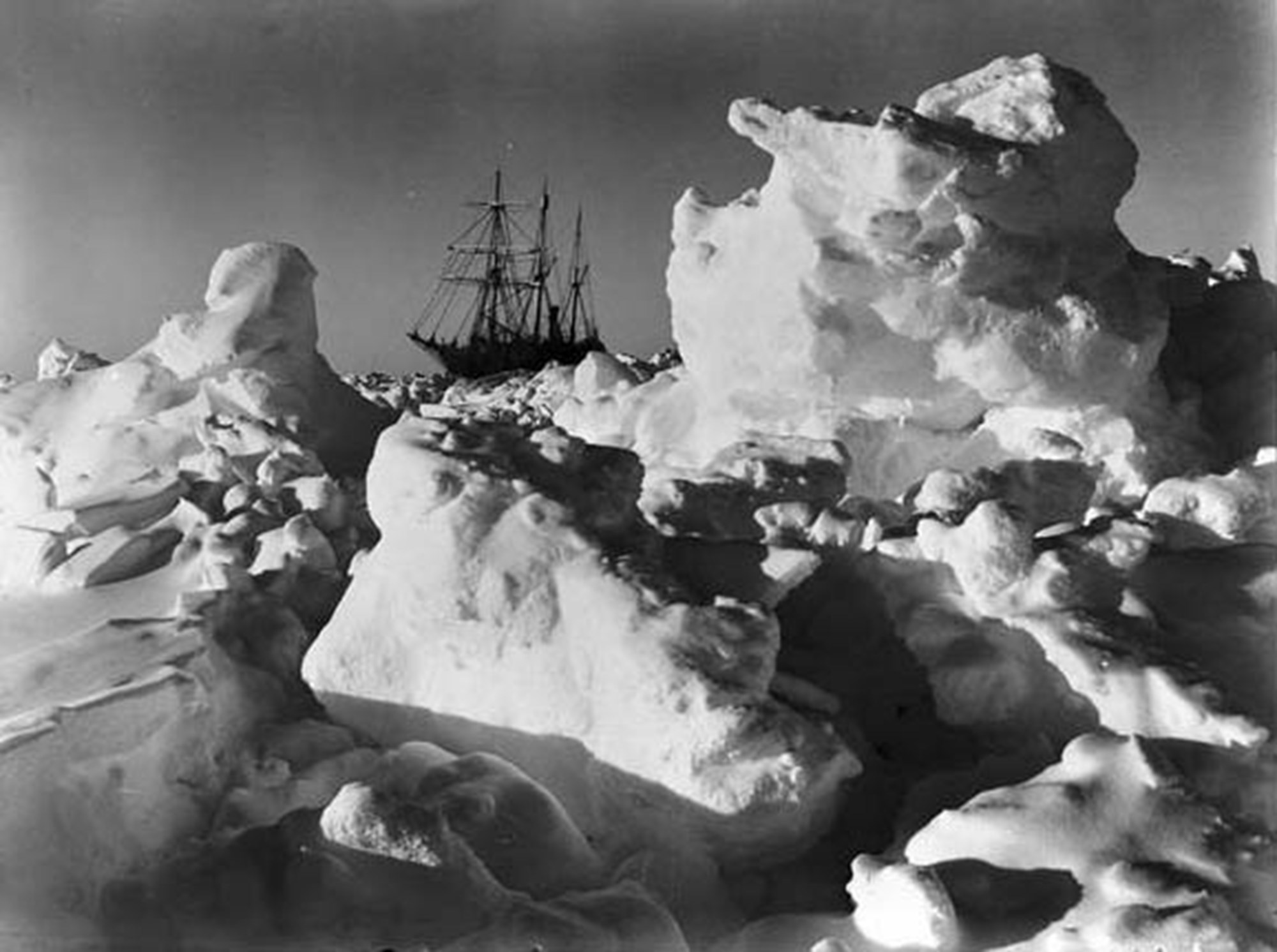 Antarktis-Expedition soll versunkenes Forschungsschiff finden