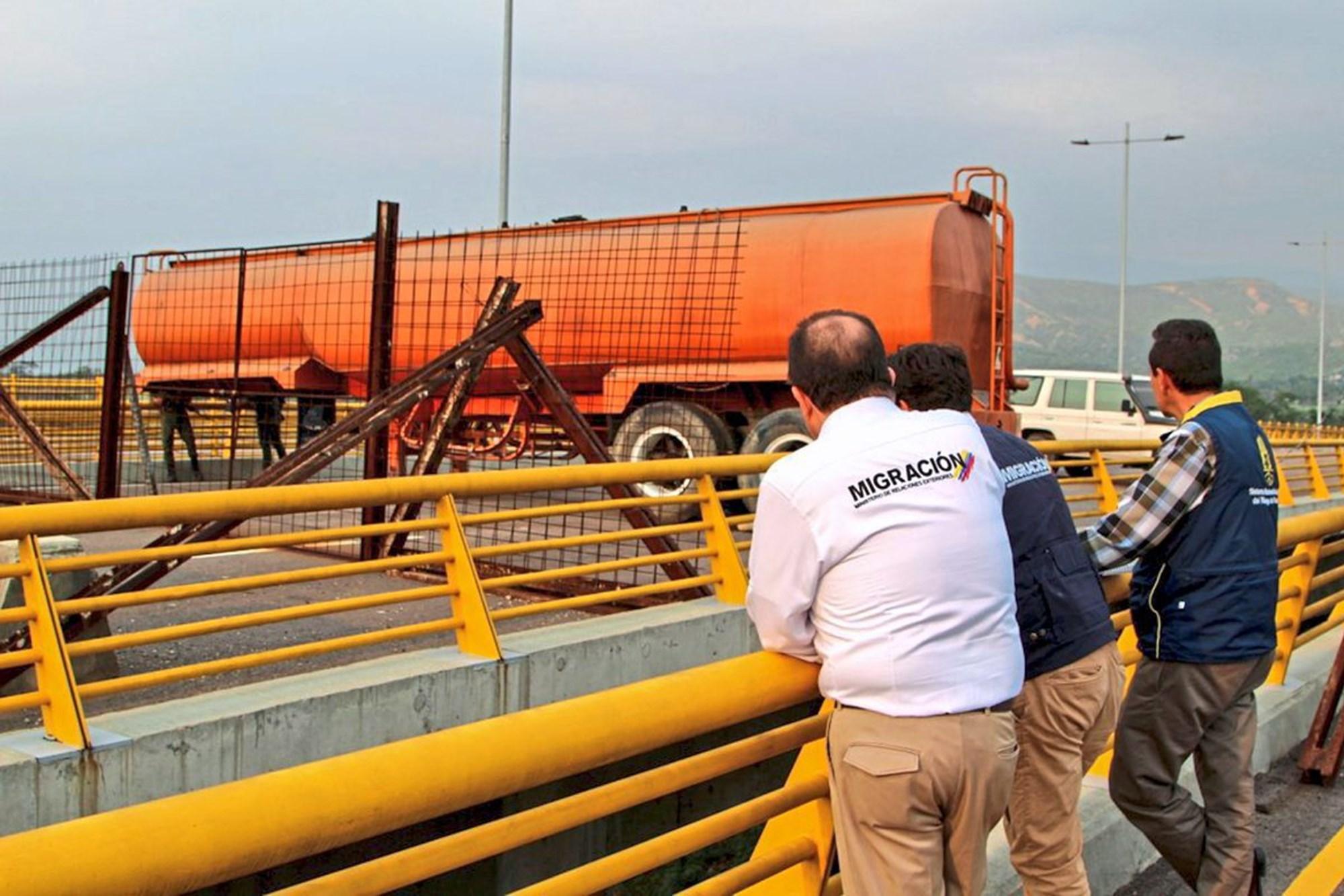 Venezolanische Armee blockiert Grenzübergang zu Kolumbien