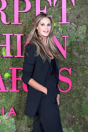 Elle MacPherson bei den Green Carpet Fashion Awards im September 2018 in Mailand.