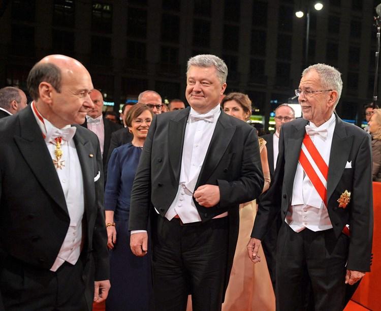 Gardemusik Blast Opernball Gasten Erstmals Den Marsch Opernball
