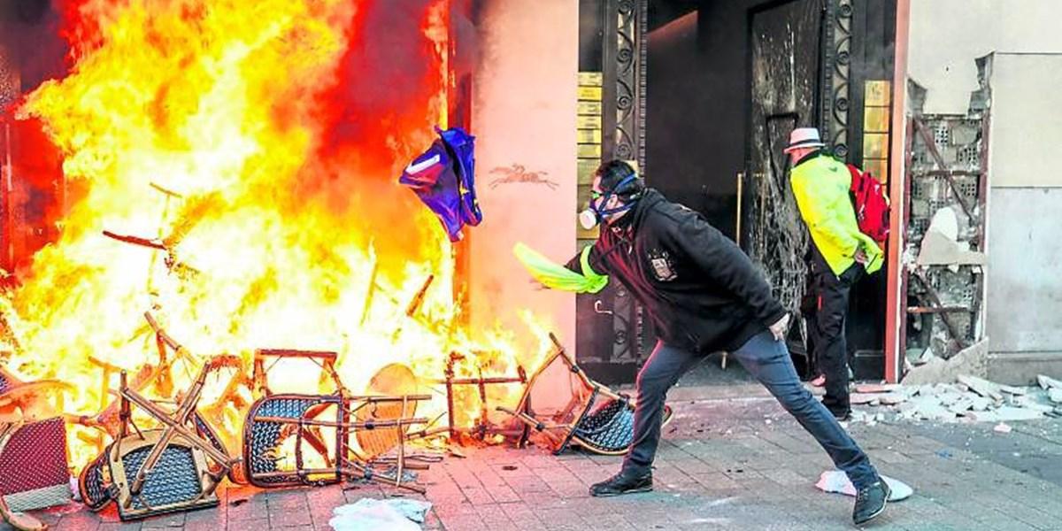 Macron ruft die Armee zu Hilfe gegen Gelbwesten