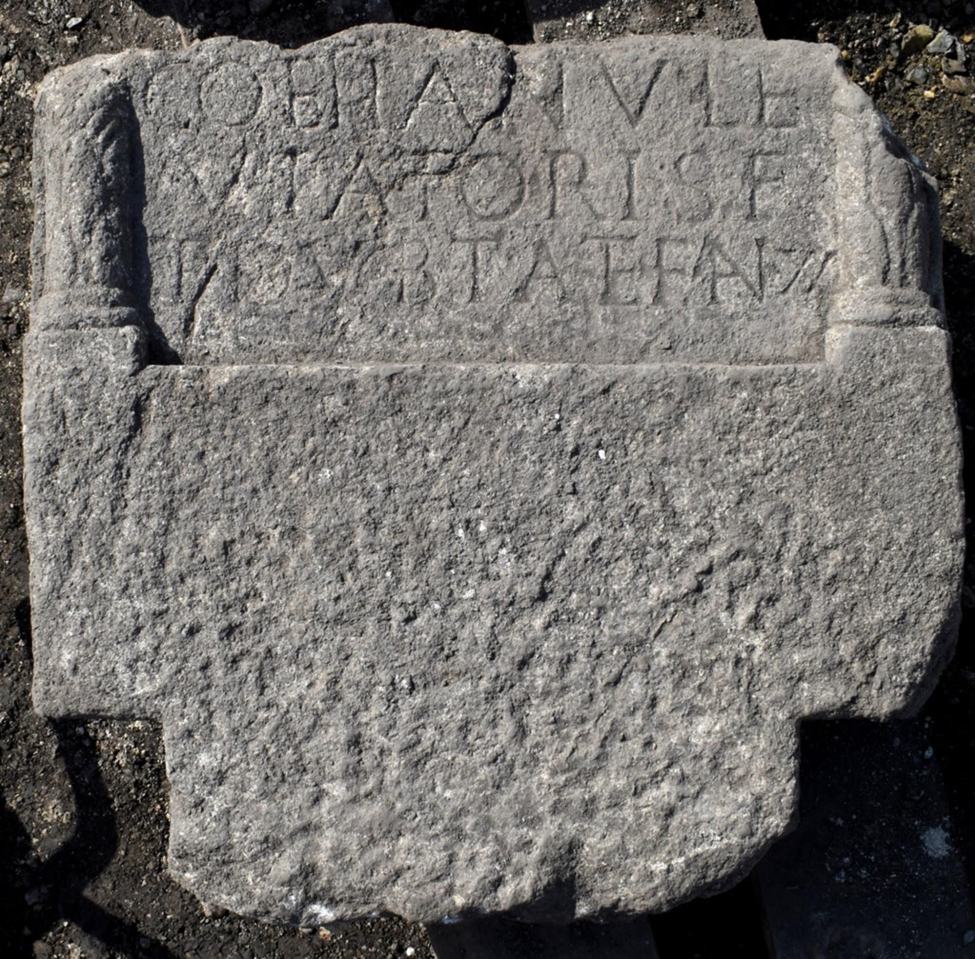 Archäologen finden römische Grabsteine in St. Pölten – derStandard.at