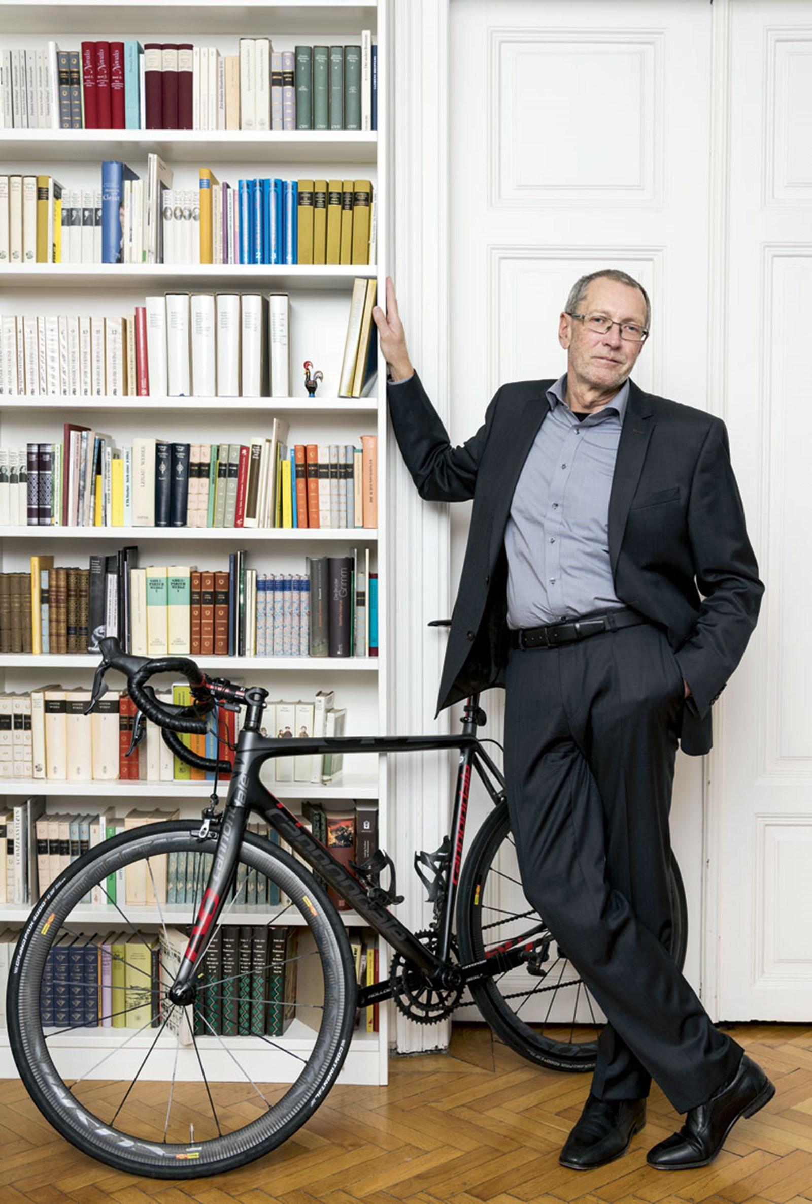 """Konrad Paul Liessmann: """"Ich habe ein libidinöses Verhältnis zum Fahrrad"""""""