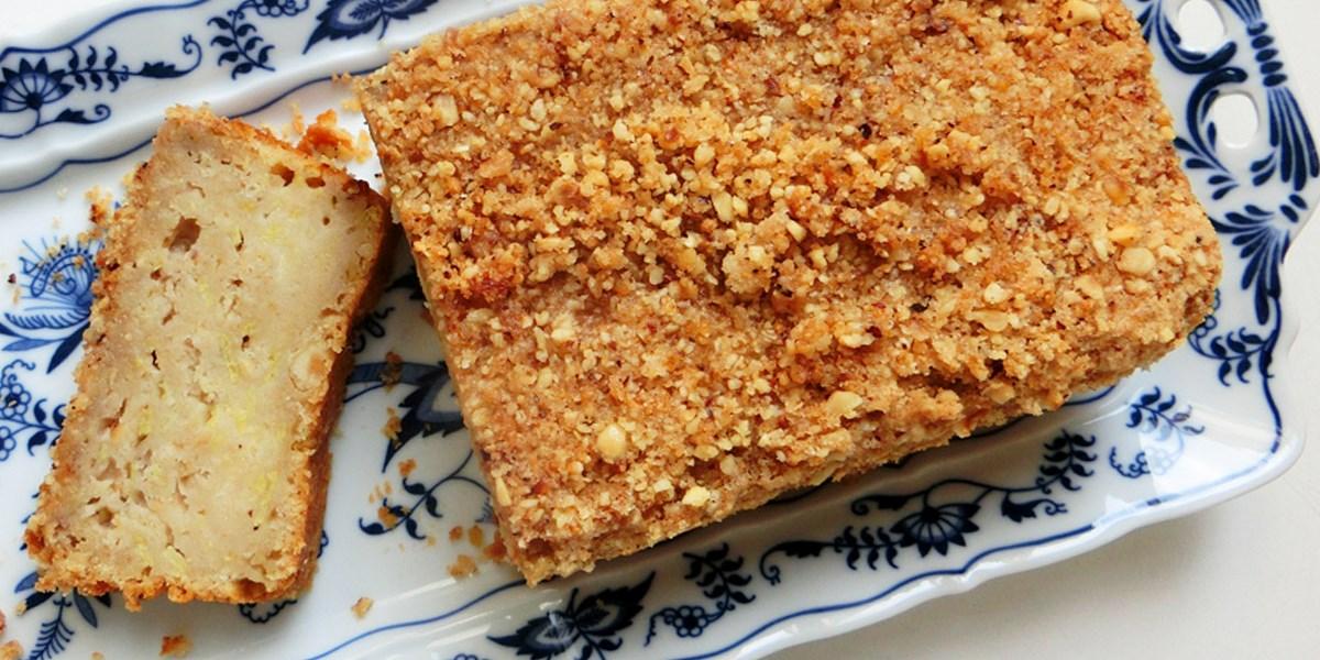 Saftiger Rhabarberkuchen mit Streusel