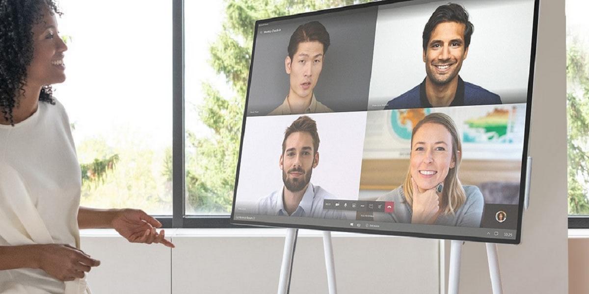 Ein erster Blick auf das drehbare Microsoft Surface Hub 2