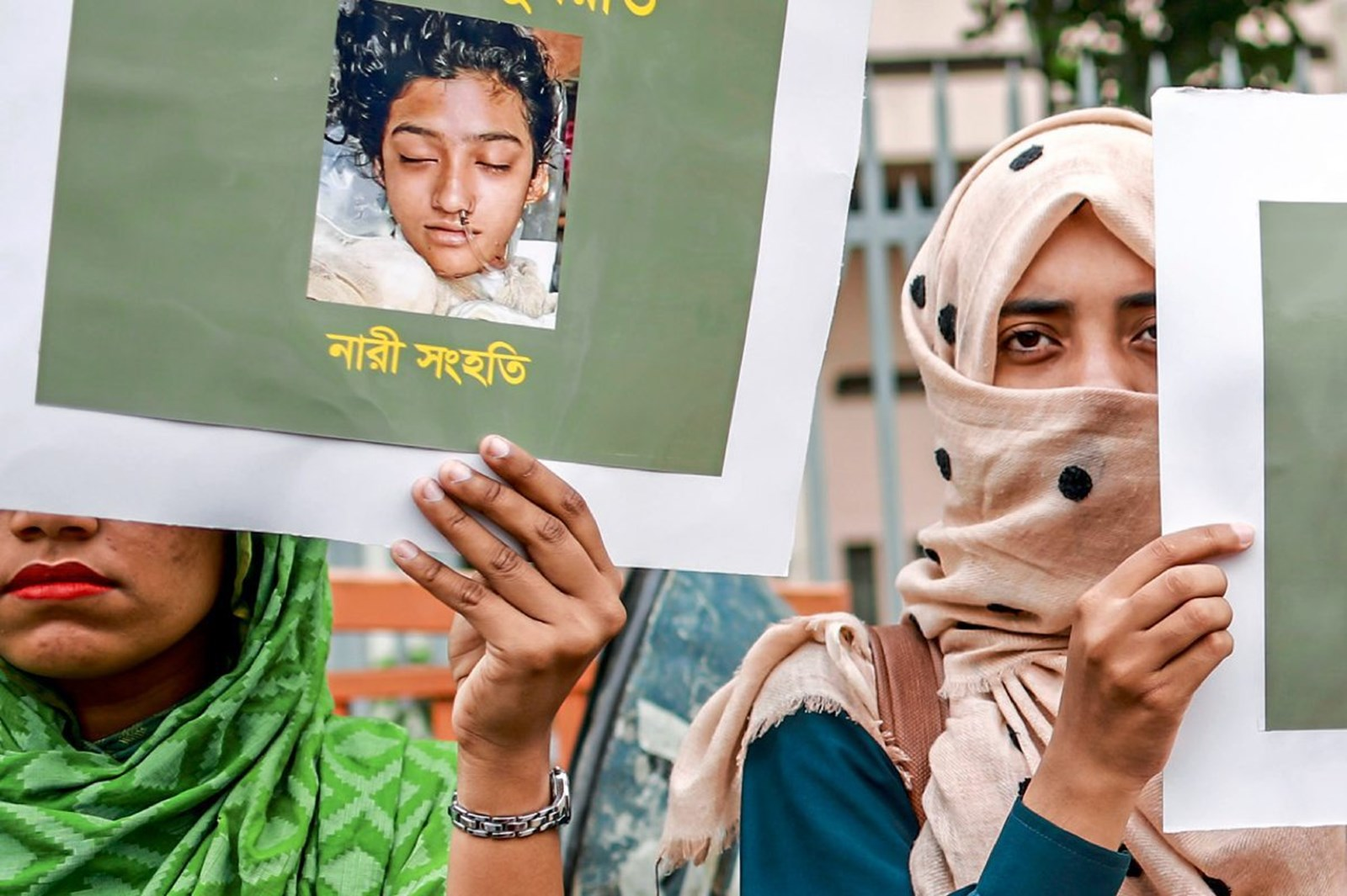 Schulleiter ordnete nach Vergewaltigungsvorwurf Verbrennung von Frau an