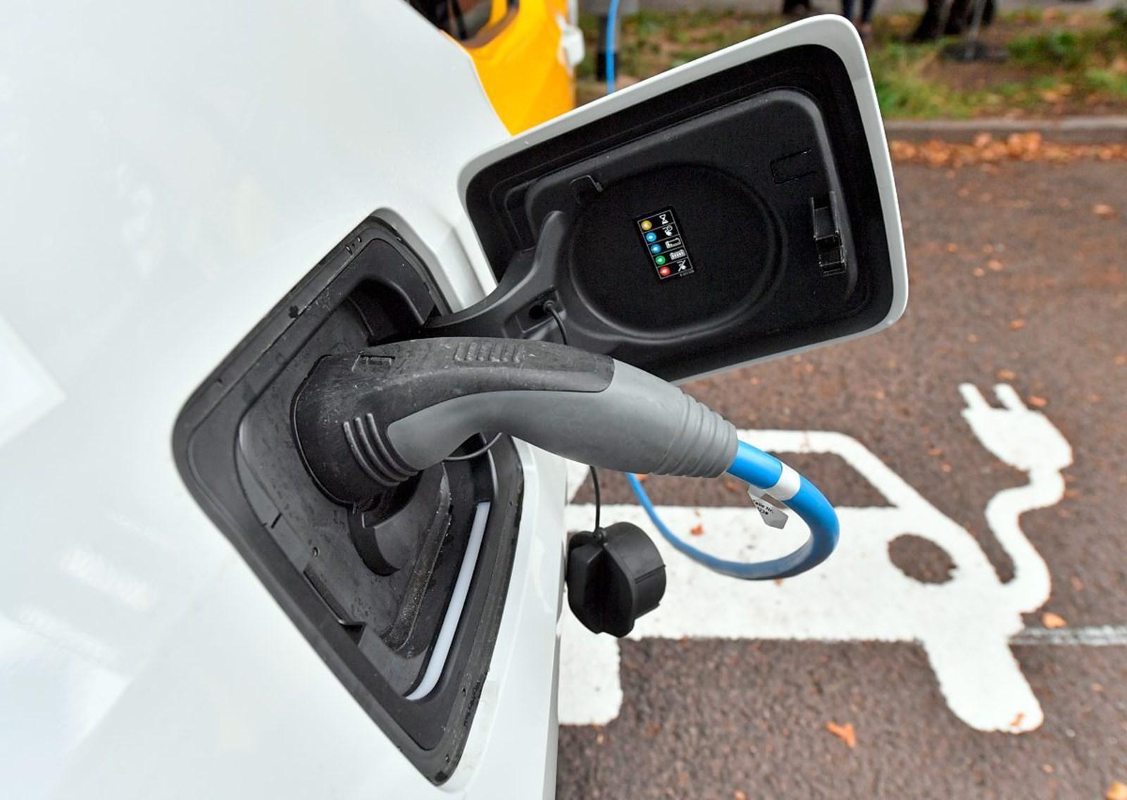 VW-Manager: Laden vieler E-Fahrzeuge überlastet Stromnetz