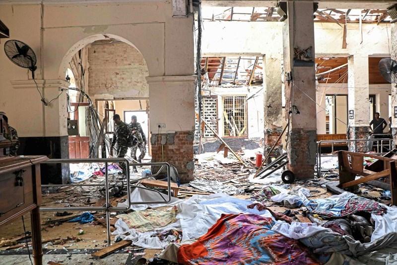 Zahl Der Todesopfer Nach Anschlägen In Sri Lanka Auf 290