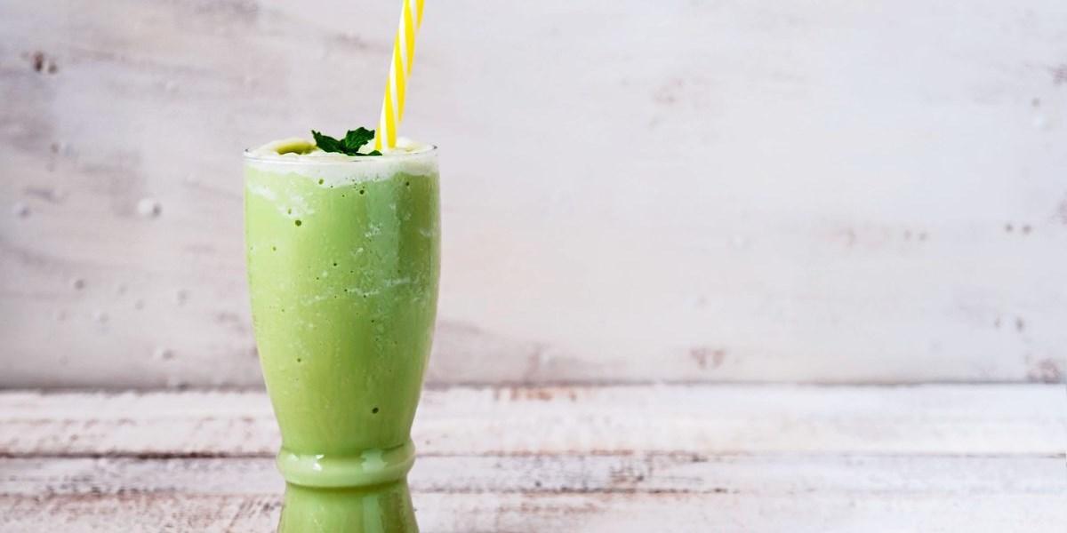 Wie man einen Kiwi-Smoothie macht, um Gewicht zu verlieren