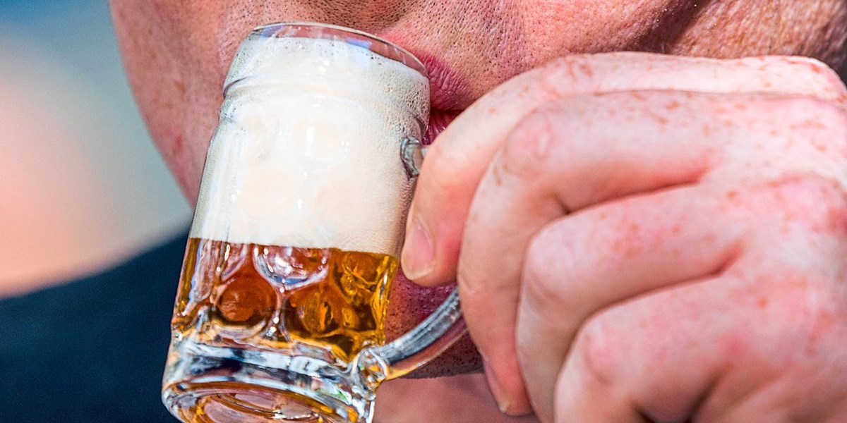 Alkoholkrank: Die Depression wegtrinken