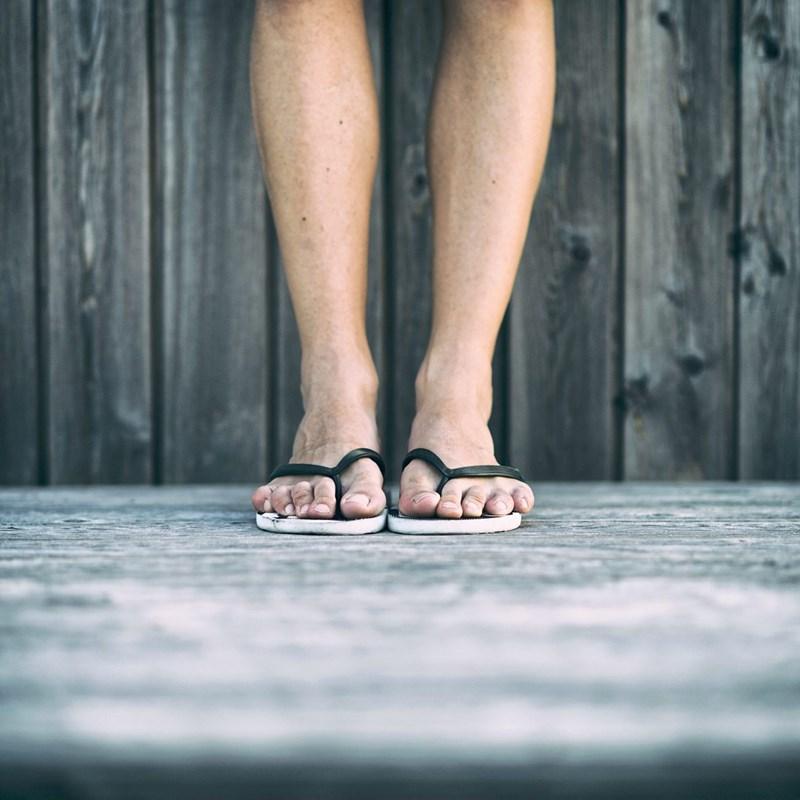 Ffffzzzz, ffffzzzz: Wie Füße an Flipflops leiden