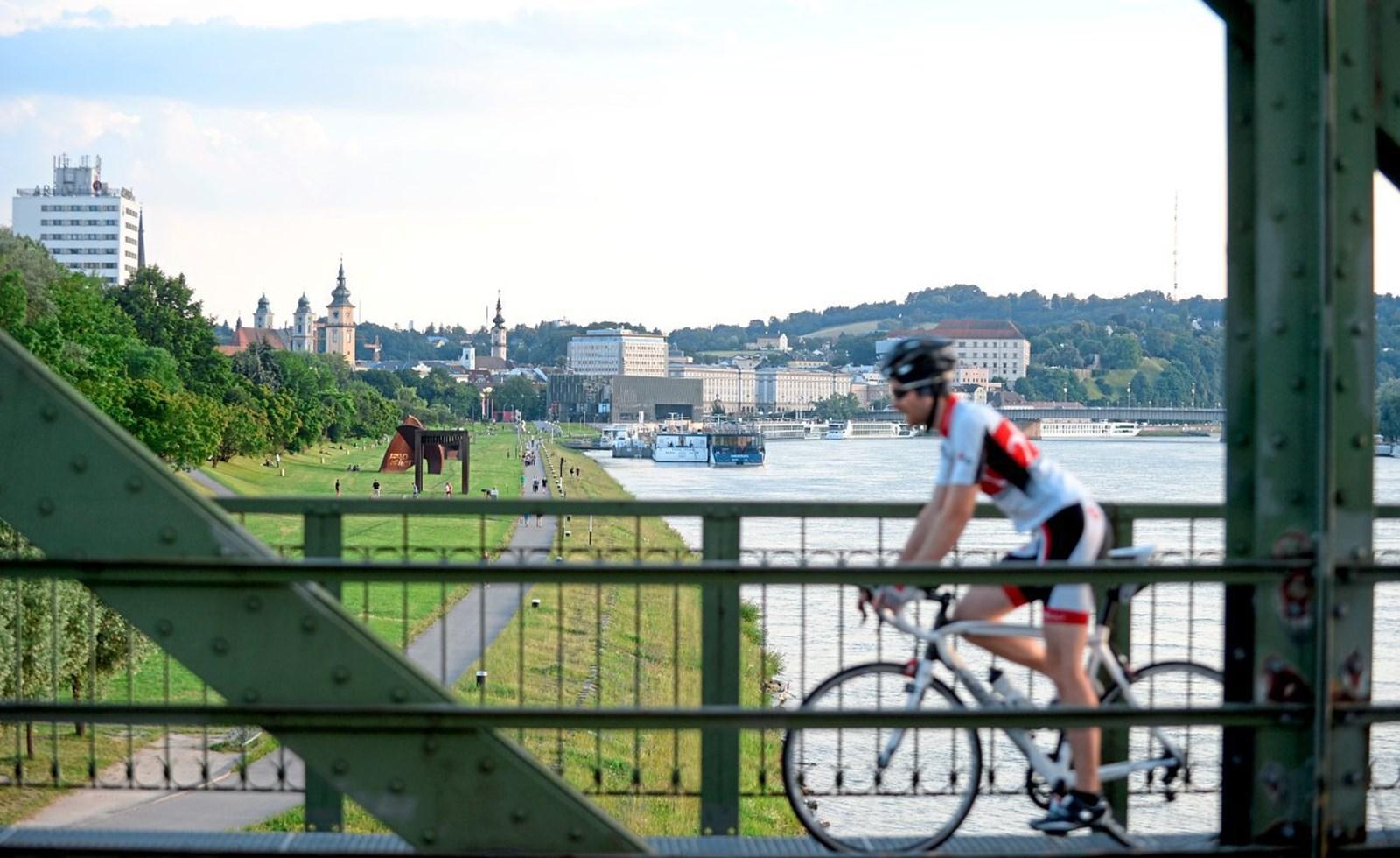 Linz schnürt Maßnahmenpaket gegen Stickoxide ohne Fahrverbote und Citymaut