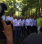 Der Bundespräsident auf Exkursion in Wald und Moor