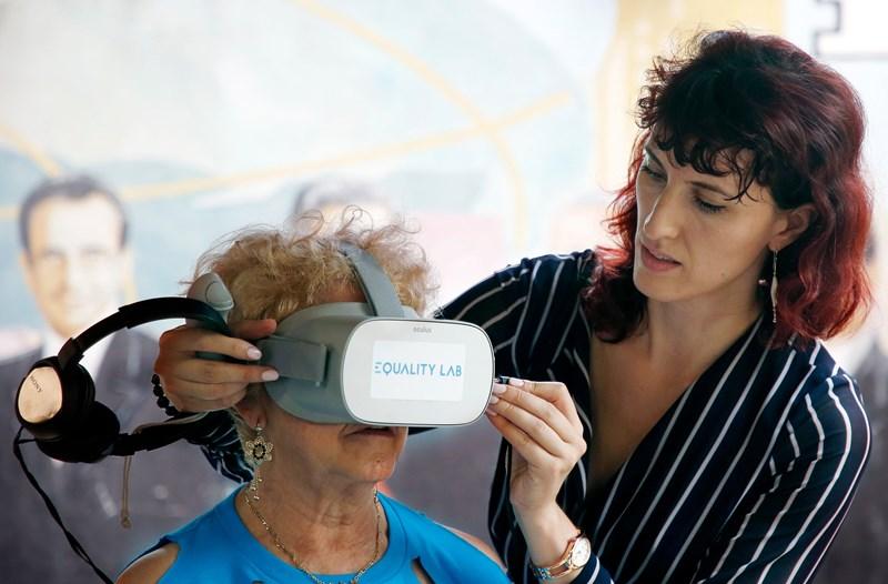 US-Organisation lässt Senioren virtuell in andere Welten tauchen