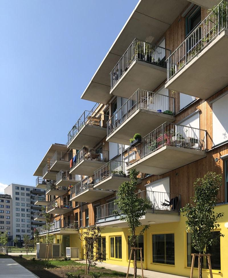 Baugruppenprojekt Gleis 21: Bahnsteig mit Balkon