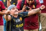Maradona reitet wieder