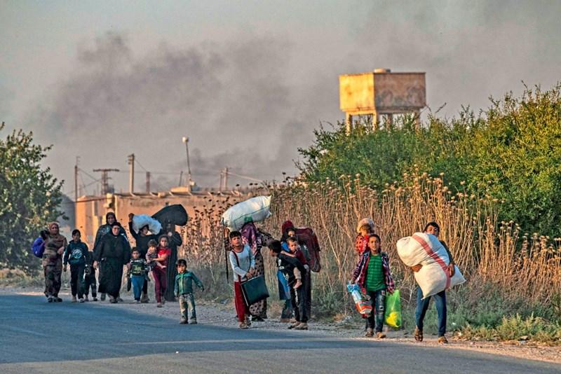 Tausende Menschen nach türkischer Offensive in Syrien auf der Flucht