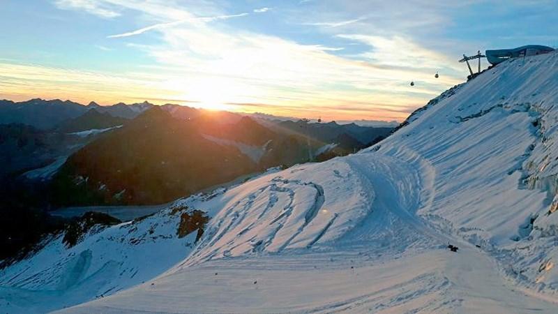 Reisetipps der Woche: Die ersten Skigebiete eröffnen die Saison