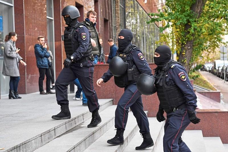 Russische Polizei führt Razzien bei Nawalny-Anhängern durch