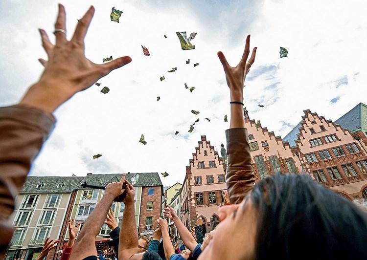 Volksbegehren fordert 1.200 Euro Grundeinkommen ohne Gegenleistung