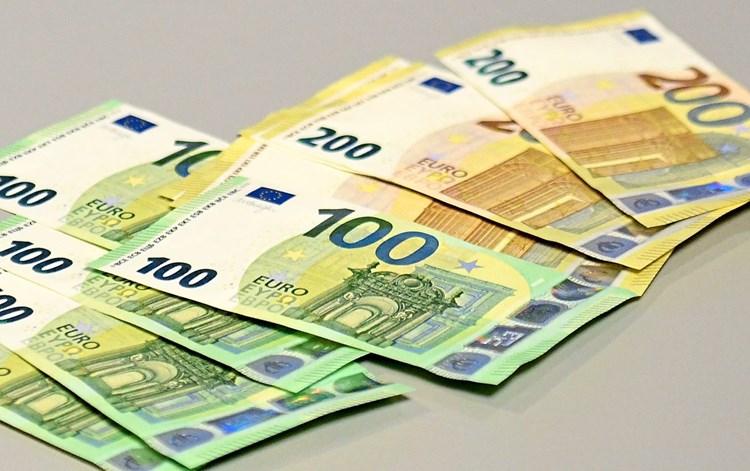Geld für IS erschlichen: Sechs Festnahmen in Niederlande und Belgien