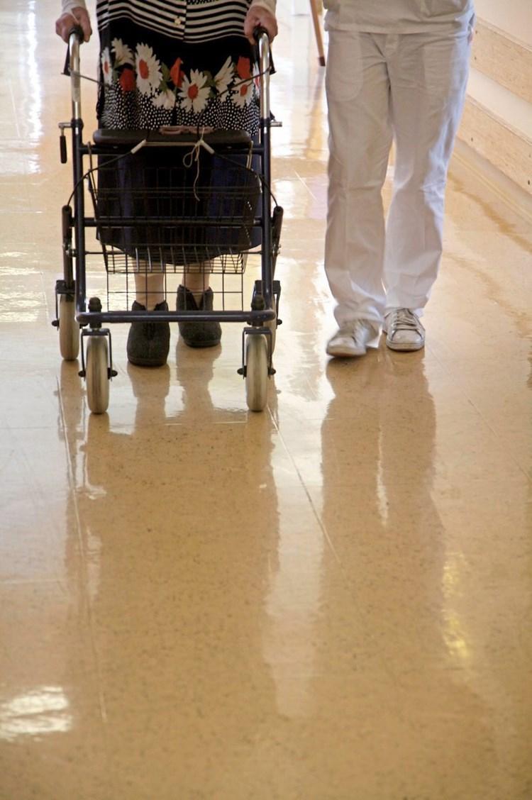 Mehr Akzeptanz für Alltaghilfen im Alter