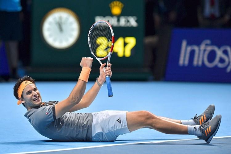 Thiem ringt Djokovic mit Geniestreich nieder und steht bei den ATP-Finals als Gruppensieger im Semifinale