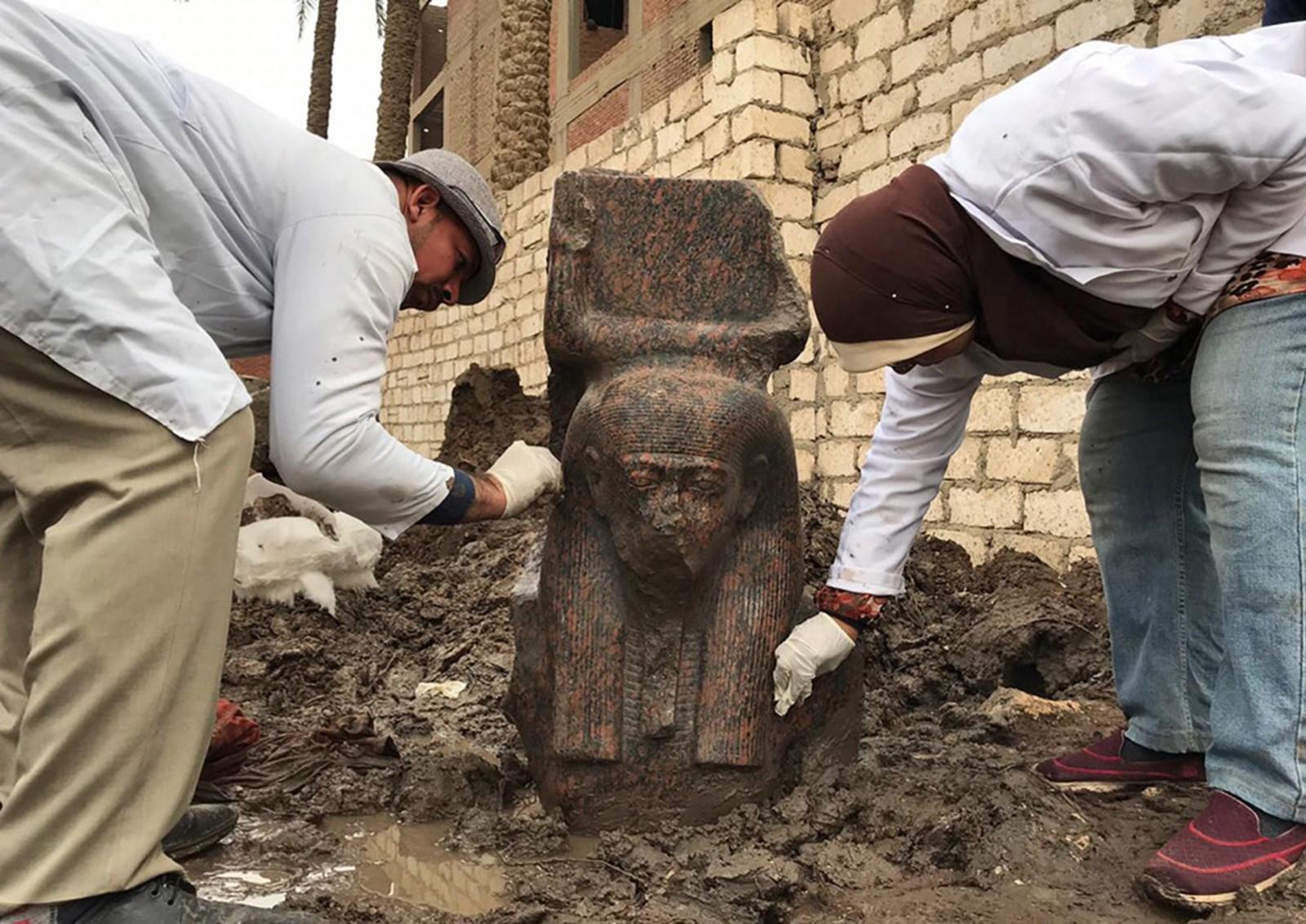 """""""Außergewöhnliche"""" Büste von Ramses II. freigelegt"""