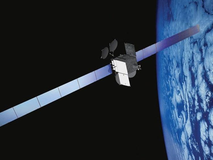 Akku-Explosion droht: TV-Anbieter muss Satellit aus dem Orbit bringen