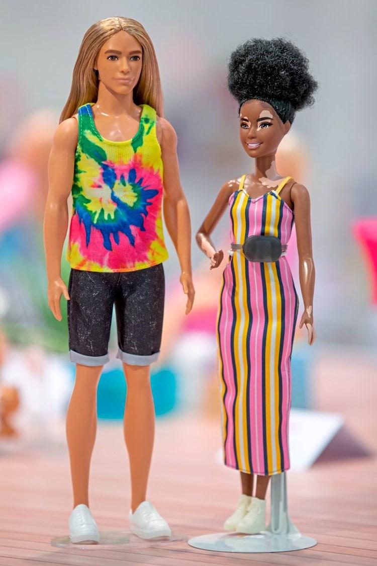 Kleidung für dicke barbie