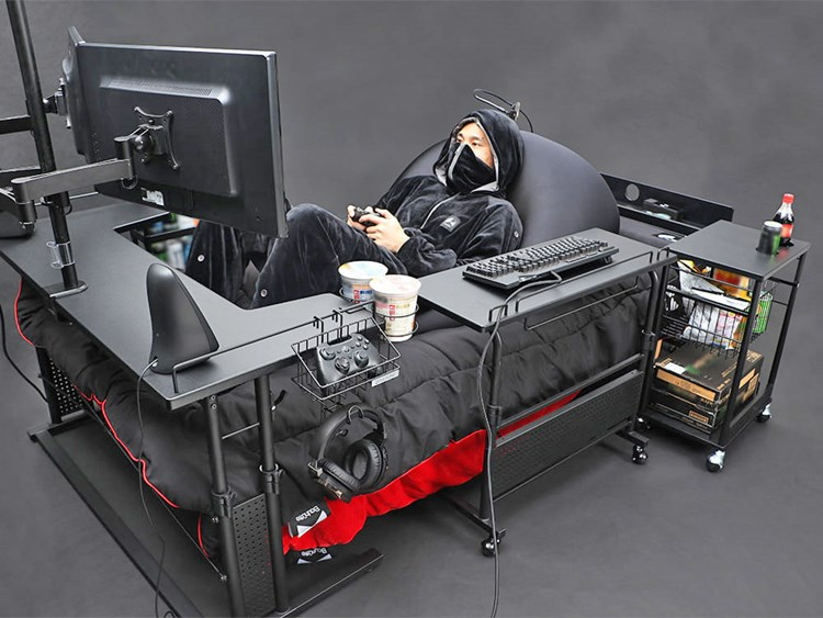japan-has-created-the-ultimate-gaming-bed-so-you-never-have-to-rejoin-society-again-5564.jpg?w=750&s=32ea443b