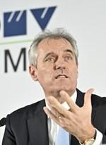 Dividenden ausschütten und Personal sparen: Kritik an OMV-Chef
