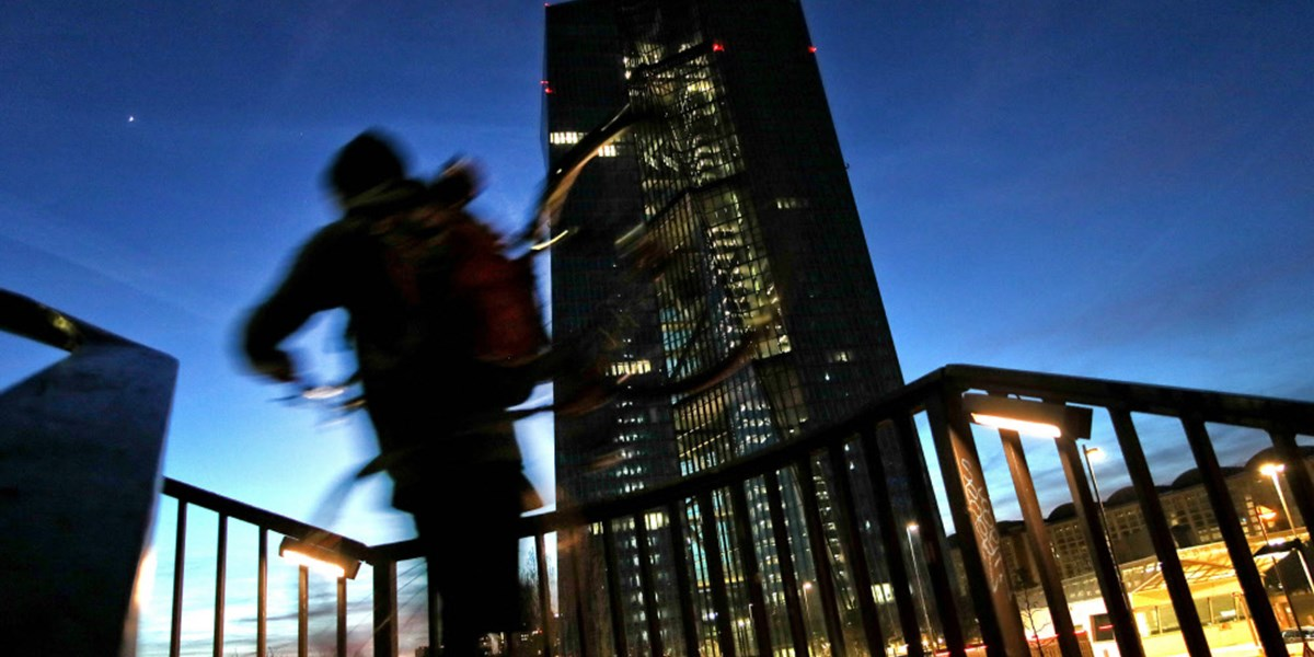 EZB unter Zugzwang: Notenbank muss halbe Billion nachlegen