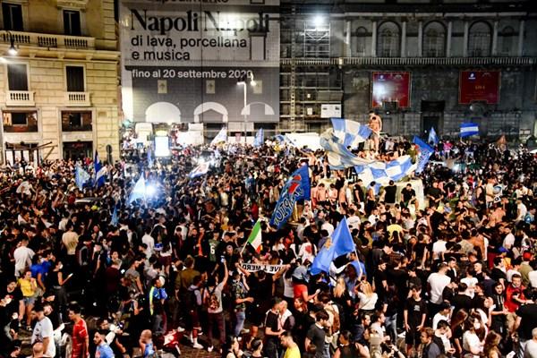 Foto: EPA/CIRO FUSCO