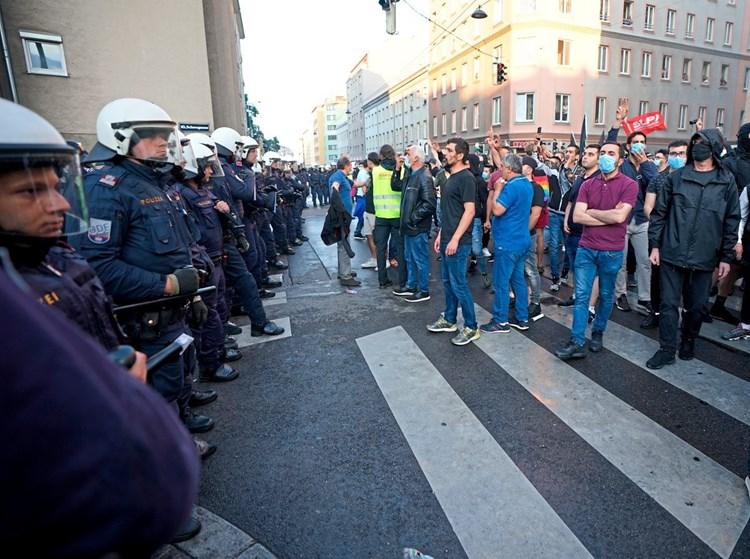 Kanzler Kurz kritisiert Türkei nach Demo-Ausschreitungen in Wien ...