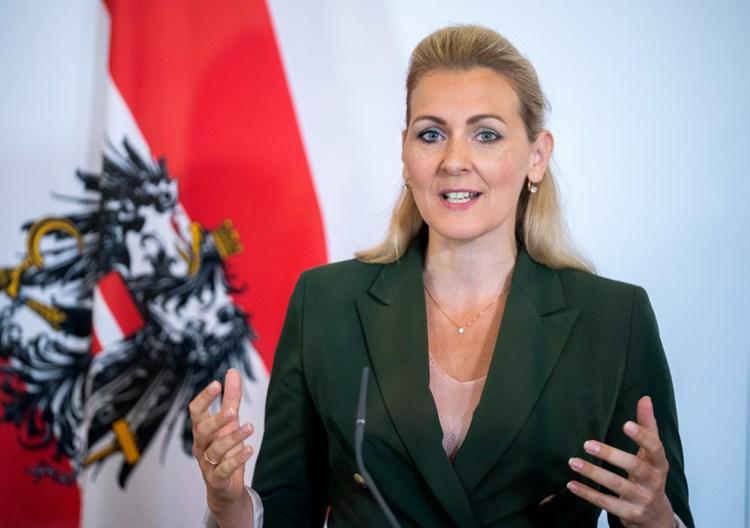 Aschbacher Homeoffice Regelung Kommt Erst Im Marz 2021 Wirtschaftspolitik Derstandard At Wirtschaft