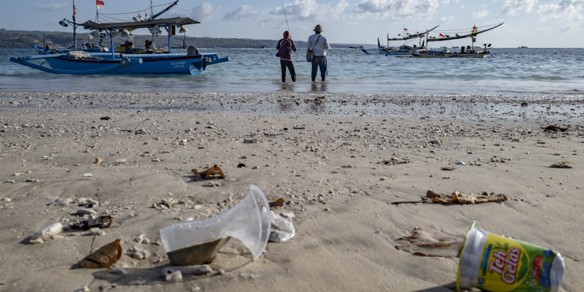 Indonesischer Fischer trieb tagelang in Kühl-Container im Meer
