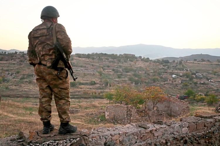 Neuer Anlauf Fur Feuerpause Zwischen Aserbaidschan Und Armenien Aserbaidschan Derstandard At International