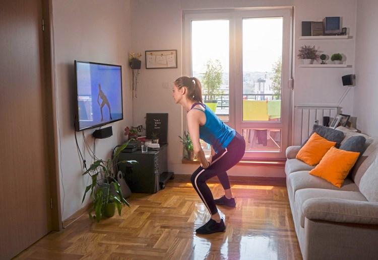 Corona Krise In Den Fitnessstudios Gehen Die Lichter Aus Bewegung Fitness Derstandard De Wissen Und Gesellschaft