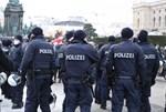 Polizei will härter gegen Maskensünder bei Corona-Demos vorgehen, +1.626 Neuinfektionen