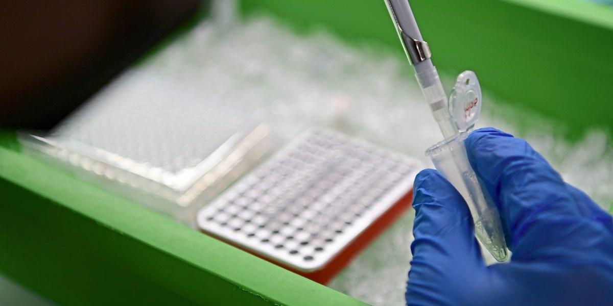 Erstmals seit einem Monat mehr als 2.000 Neuinfektionen, Debatte um Öffnung bleibt