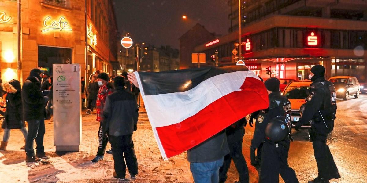Reichsflagge soll in Deutschland verboten werden